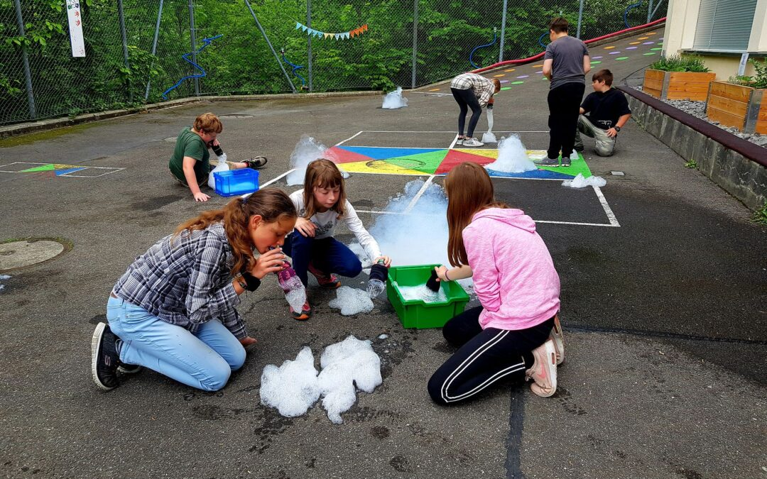 Projektnachmittag Luft, Kindergarten/Primarschule Spiringen